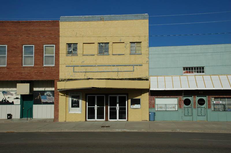 Tribune, KS movie theatre