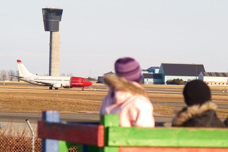 2010-03-03 Aircraft watching