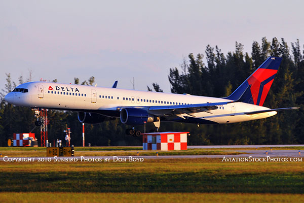 Delta Air Lines B757-232 N650DL landing, aviation airline air show stock photo #6381