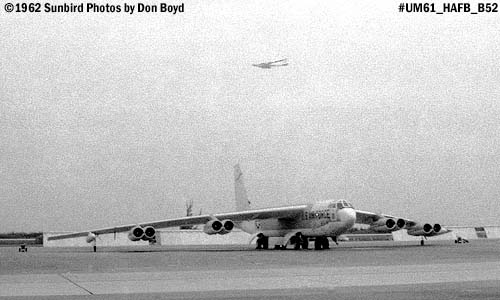USAF B-52 Stratofortress performing behind a parked B-52 at the Homestead AFB Open House in 1962 photo #UM62_11