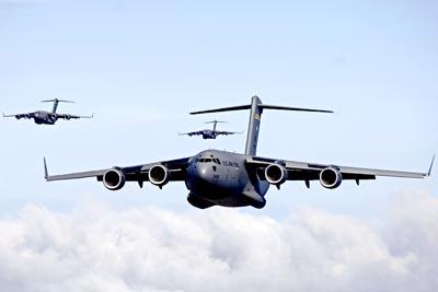 USAF C-17 Globemaster IIIs in airdrop training mission near Hawaii