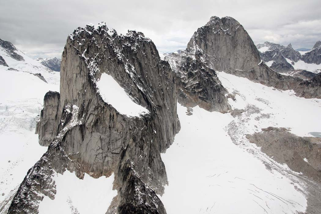 <br>Snowpatch Spire (L) & Bugaboo Spire, View NW <br> (Bugaboos090408-_405.jpg)