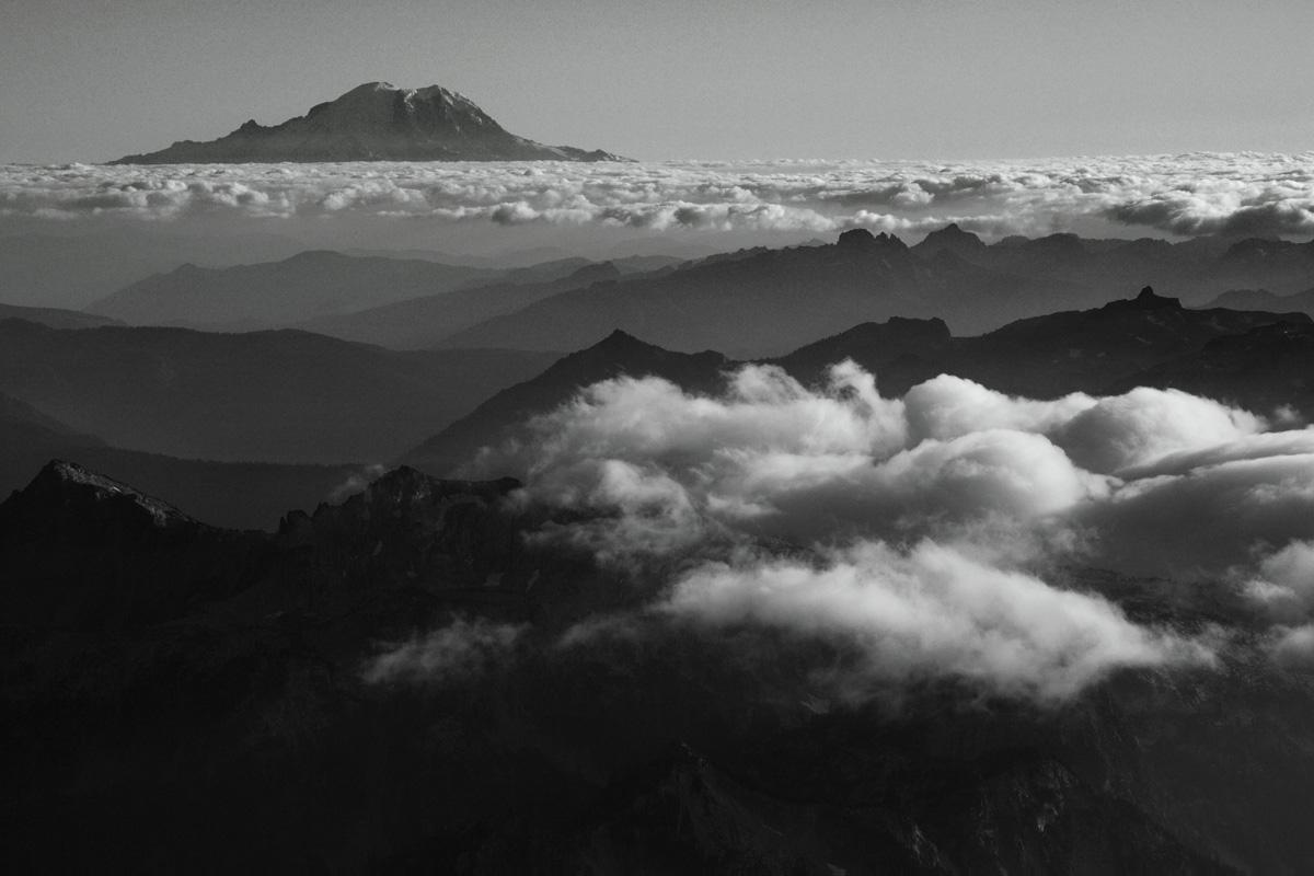 Mt Rainier & The Central Cascade Range <br> (Rainier082309-_08.jpg)