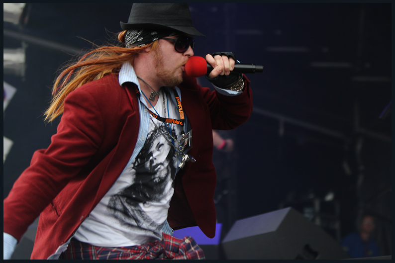 Glastonbudget 2010 Guns to Roses