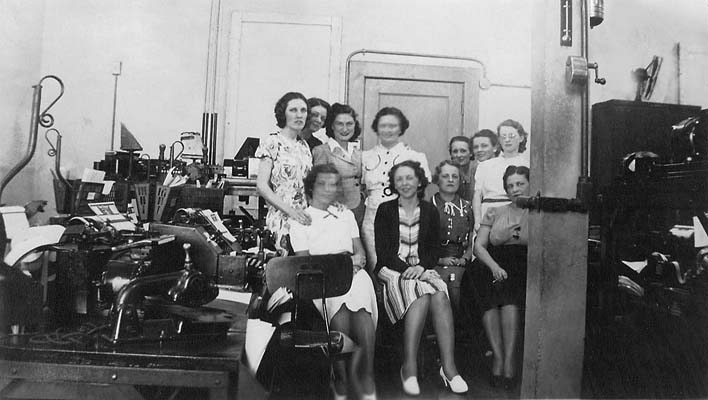 1940s - Lutrelle Conger and her co-workers at Pan American Airways System in Miami