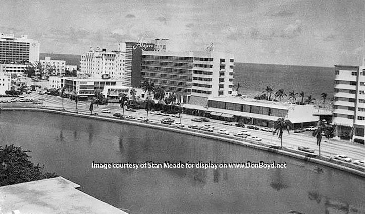 1950s - Algiers Hotel on Collins Avenue, Miami Beach