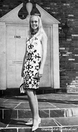 1968 - Susan Sue Lowden (now Jacobs) in a modeling portfolio