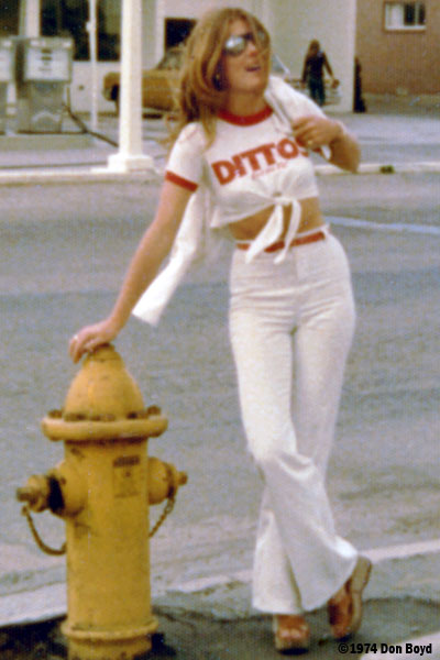 1975 - Brenda in her Dittos jeans