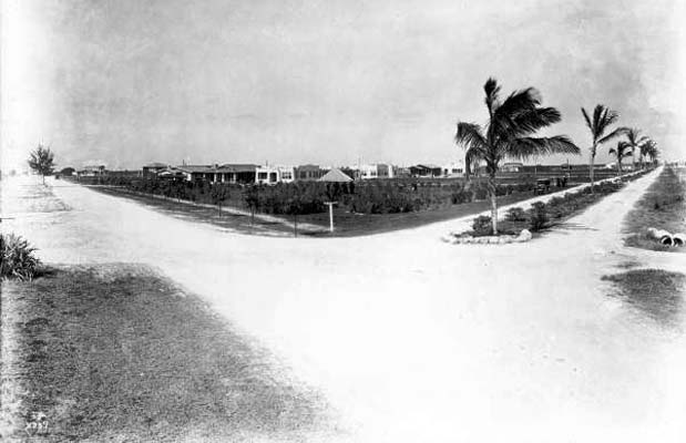1921 - the intersection of County Road (later Okeechobee Road) and Palm Avenue, Hialeah