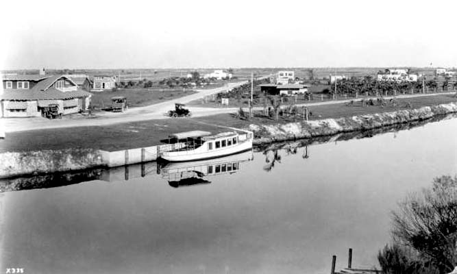 1921 - houses along County Road (later Okeechobee Road) and the Miami Canal in Hialeah