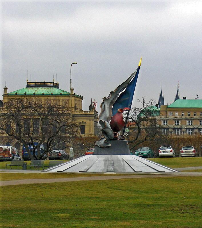 A 1938-1945 RESISTANCE MONUMENT    1204