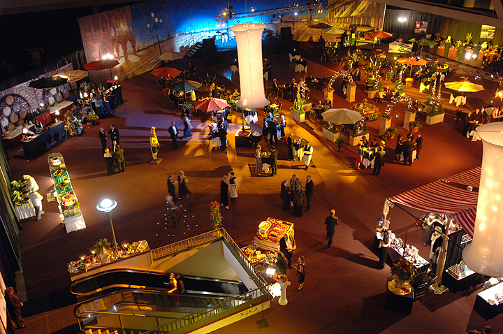 Convention_Center_party_01.jpg