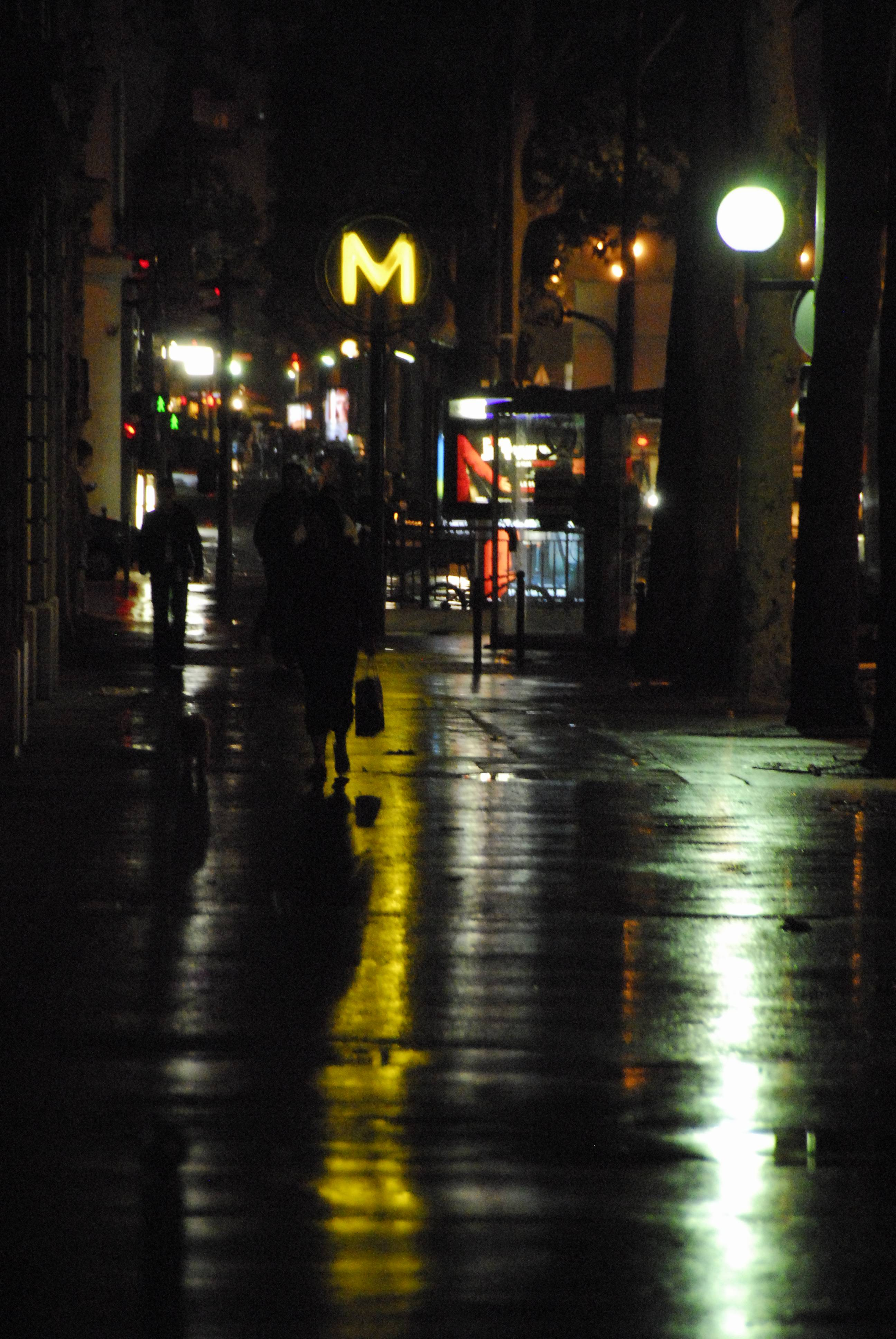 Courcelles at Night 01