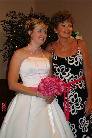 Jani and daughter at wedding