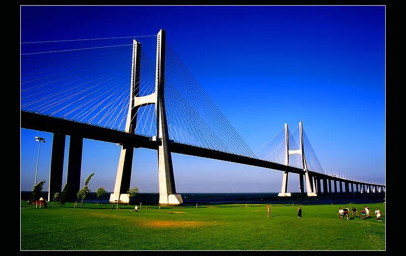 ::: Vasco da Gama Bridge - Lisbon :::