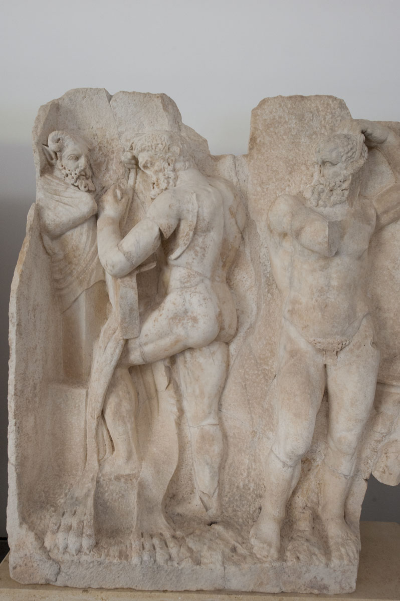 Aphrodisias Museum March 2011 4660.jpg