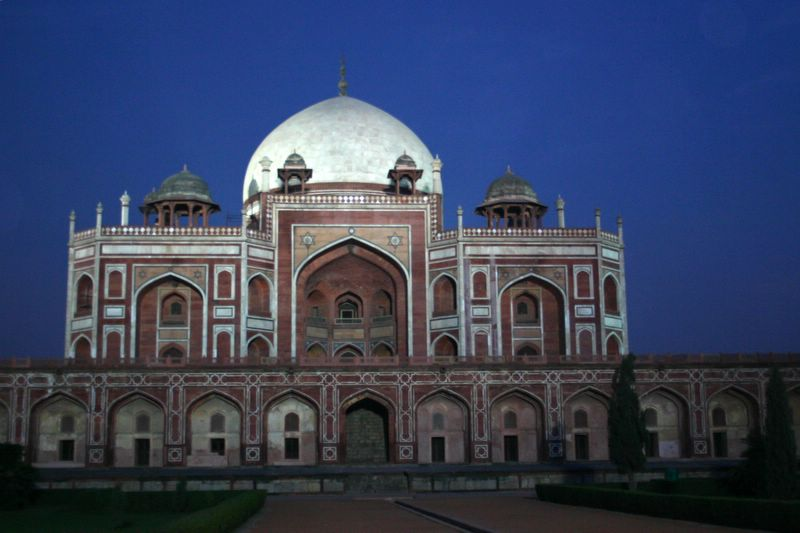 Humayuns tomb at sunset, Delhi