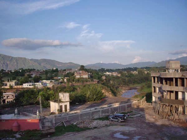 Khoiratta near the bridge