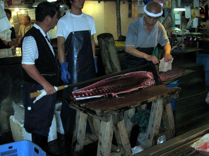 Cutting the Tuna