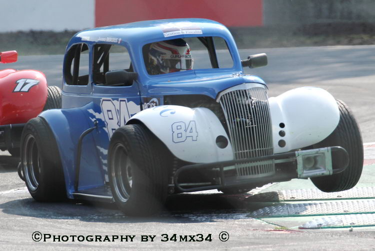 33 Legend car