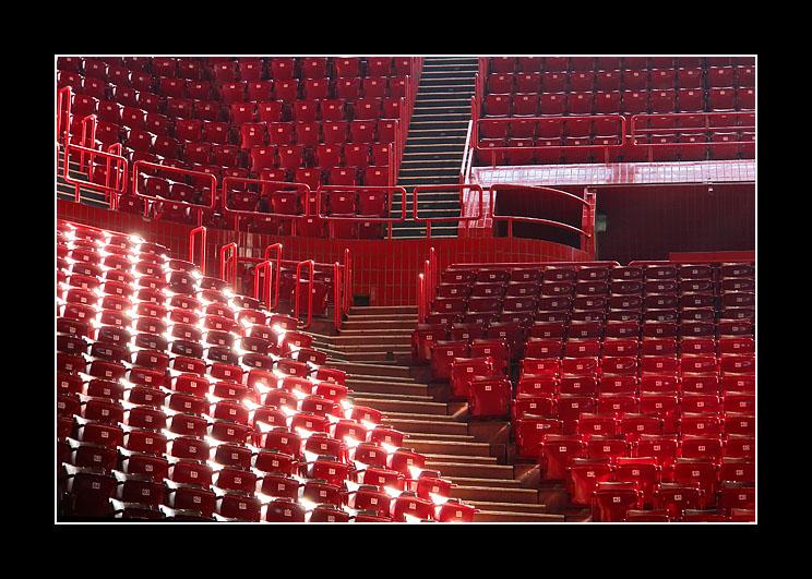 Red radiosity and white glow at POPB. - Paris