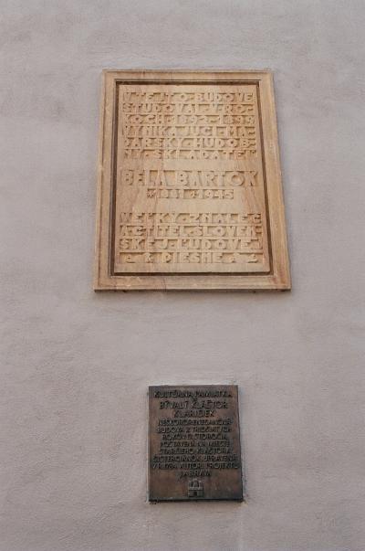 Bart�k B�la eml�kt�bla - B�la Bart�k plaque.jpg