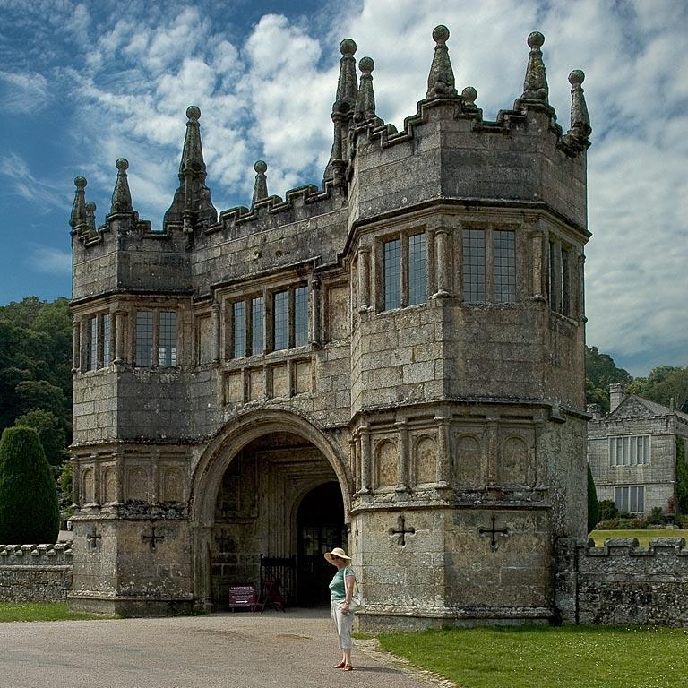Main gateway, Lanhydrock, Cornwall (1644)