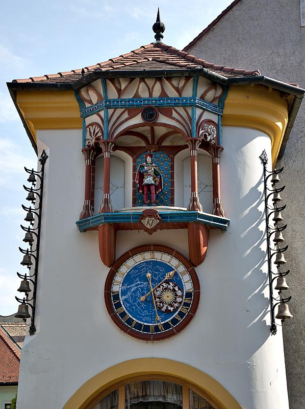 Clock at 9 Kossuth St.