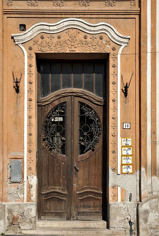 Secessionist-style door