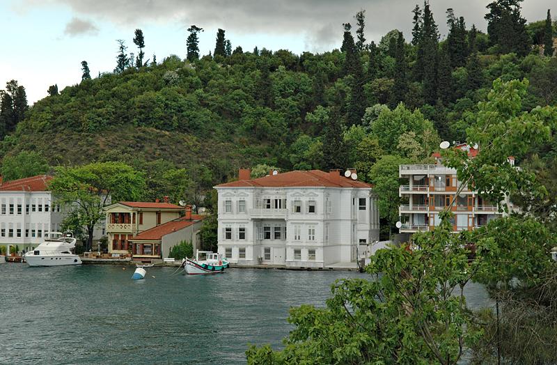Asian side, yali (waterside mansion)
