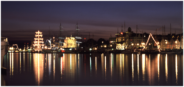 Bergen harbour at night