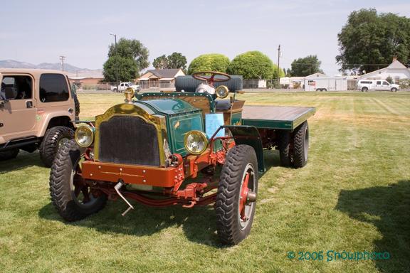 IMG_0030 1918 packard truck.jpg