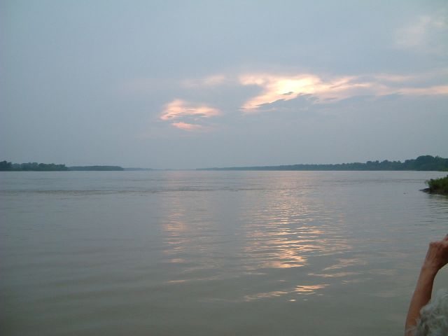 See that line in the water up there??  Thats where the Yazoo joins the Mississippi