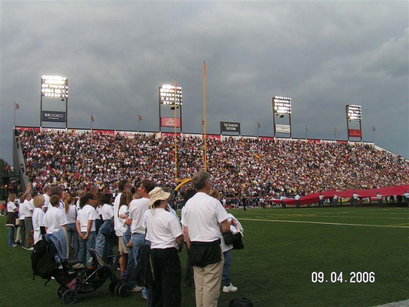 09-04-06 Football 024.jpg