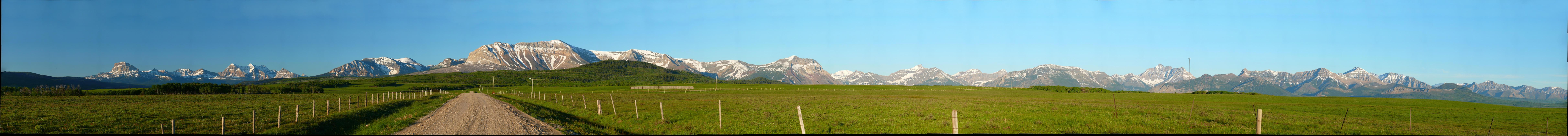 Chief Mountain panorama 10.jpg