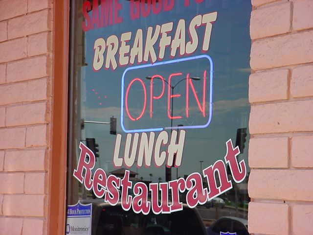 breakfast OPEN<br>lunch Restaurant