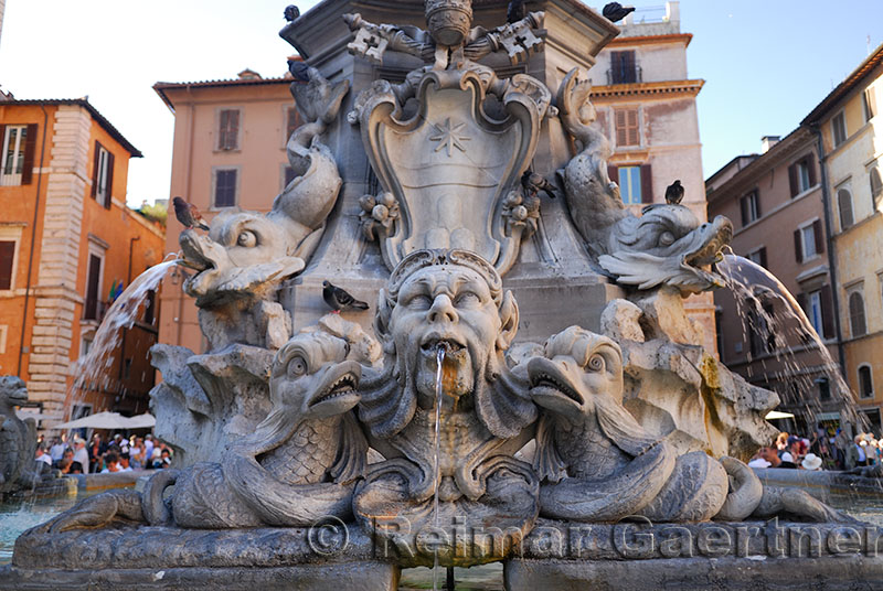 119 Pantheon Fountain.jpg