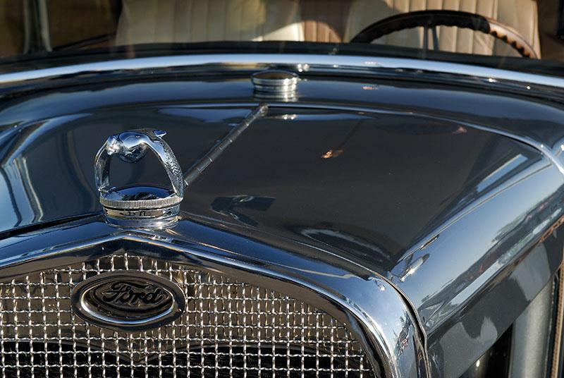 92 Ford Tudor 1930 hood.jpg