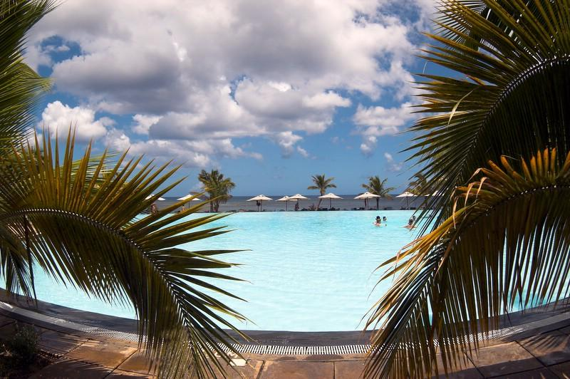 Le Victoria Hotel pool
