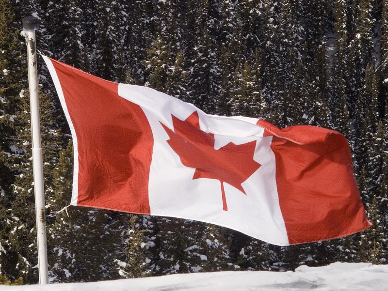 _Flying the Canadian flag-MG_0600.jpg