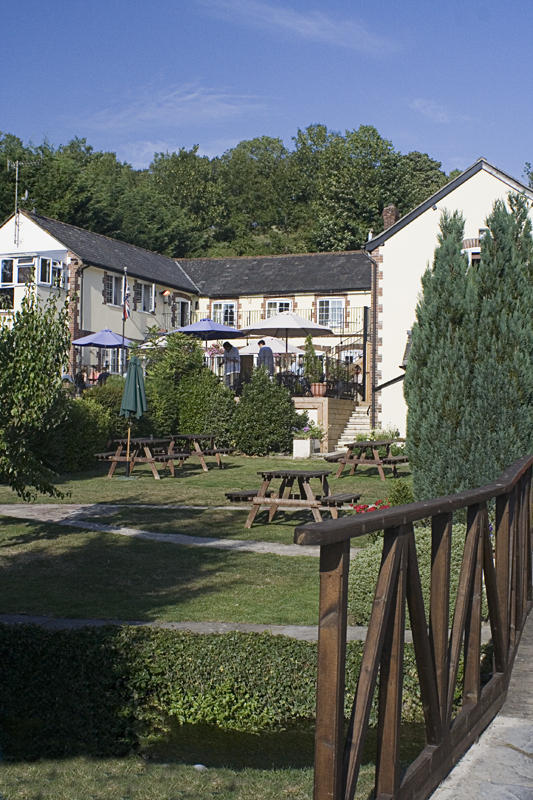 Poachers inn at Piddletrenthide...Great name._MG_1307.jpg