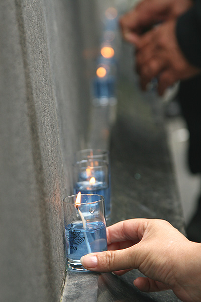 candles at rapaport monument.jpg