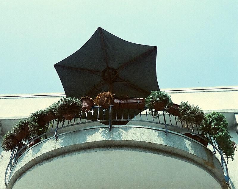 ta_umbrella balcony.JPG