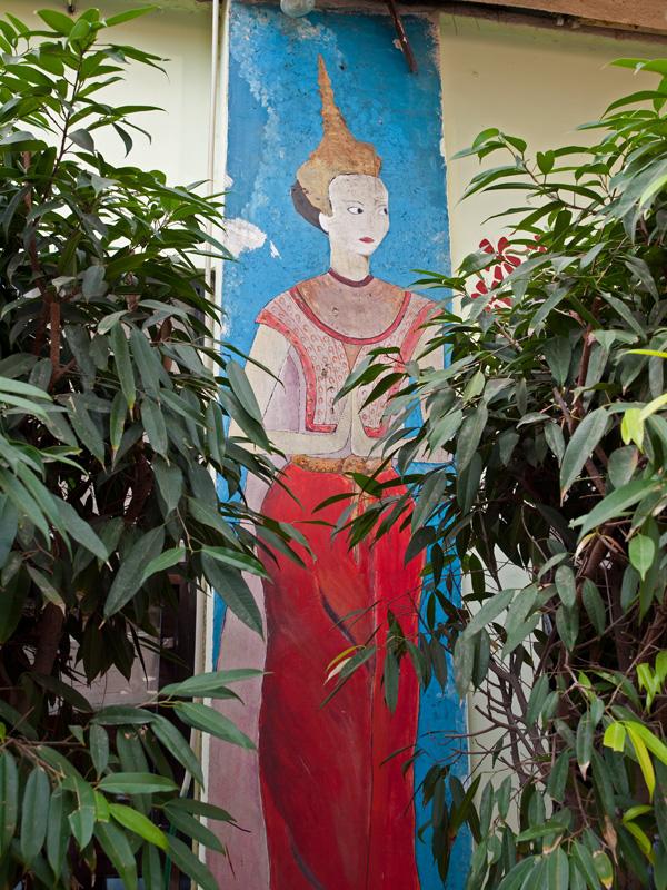 PB132378_thai house800.jpg