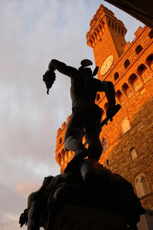 Piazza della Signora, Cellinis Perseus and Palazzo Vecchio