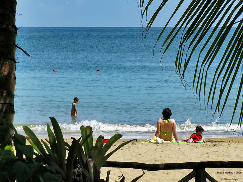 My family in Playa Medina / Mi familia en Playa Medina