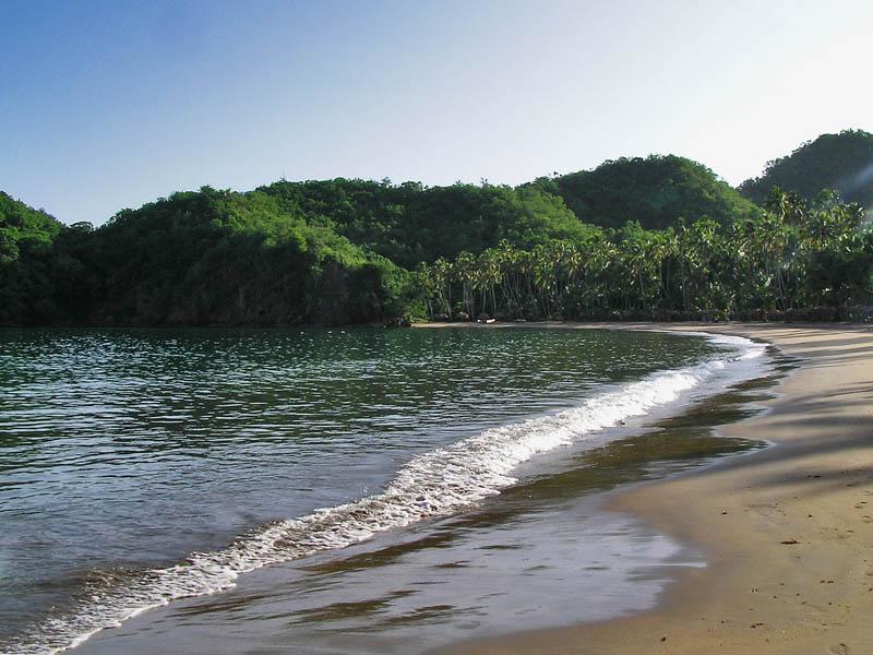 A quiet beach / Una playa tranquila