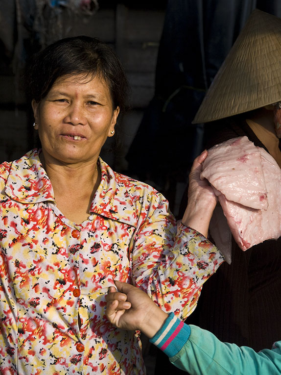 <B>Pinched</B> <BR><FONT SIZE=2>Long Xuyen, Vietnam, January 2008</FONT>