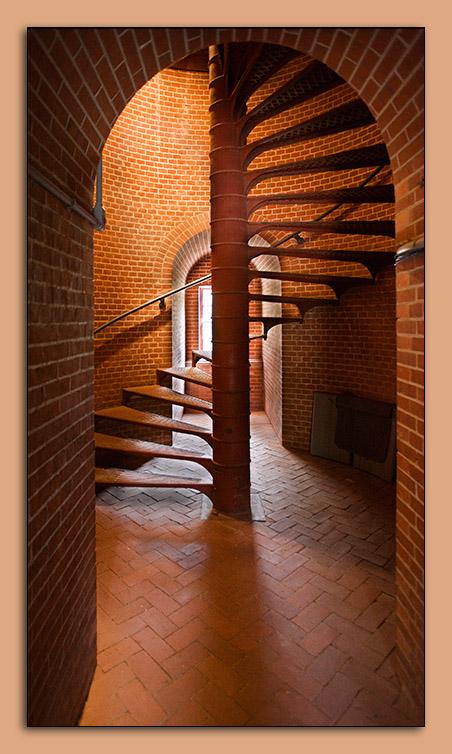 05.28.06 Assateague Lighthouse Interior