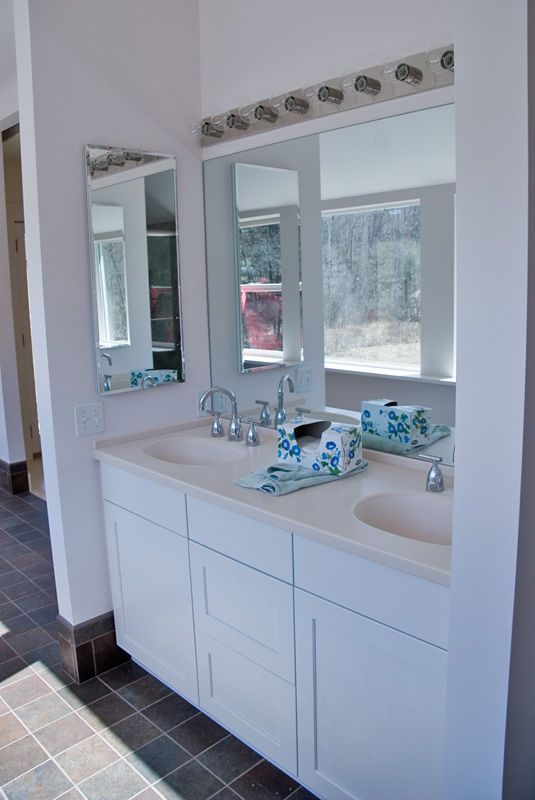 Double sink in Bath Room